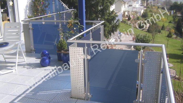 metallbau-rehbein-balkongeländer-mit-glasfüllung-3