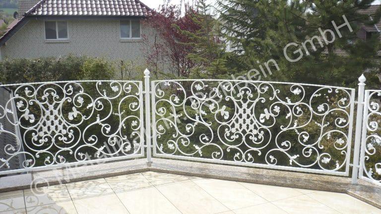 metallbau-rehbein-balkongeländer-mit-stahlfüllung-4