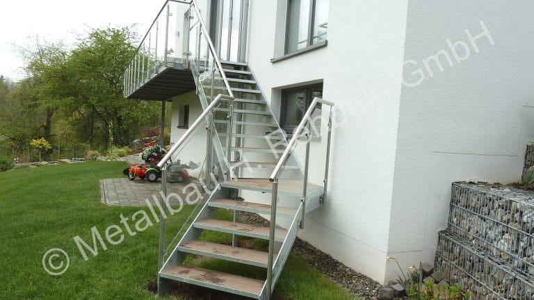metallbau-rehbein-treppengeländer-mit-glasfüllung-4